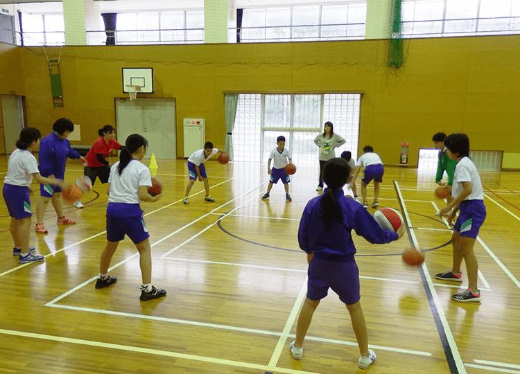バスケット練習風景