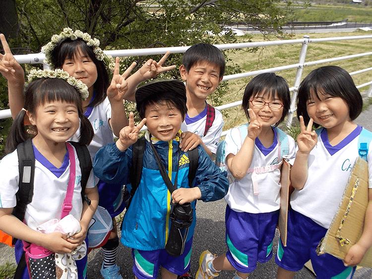 児童たちの笑顔