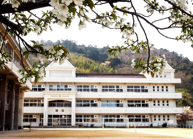 知夫小中学校新校舎