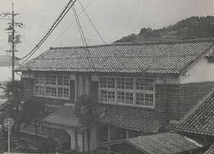 旧知夫小学校校舎